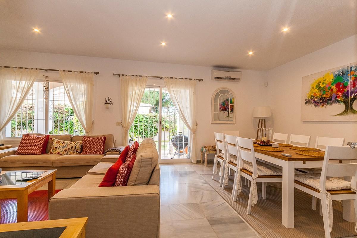 Large Detached Villa with Pool in Elviria, Marbella