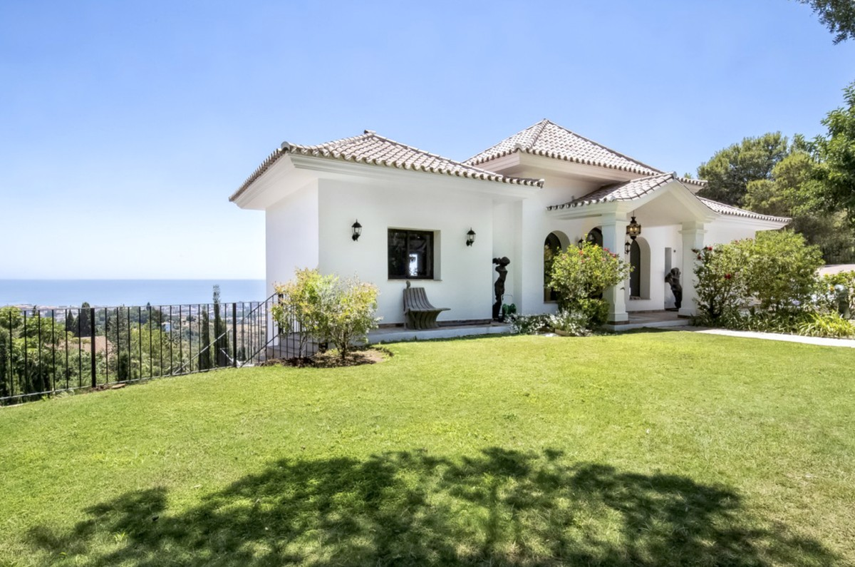 INVESTMENT Opportunity! Large Luxury Detached Villa with Sea Views in Marbella