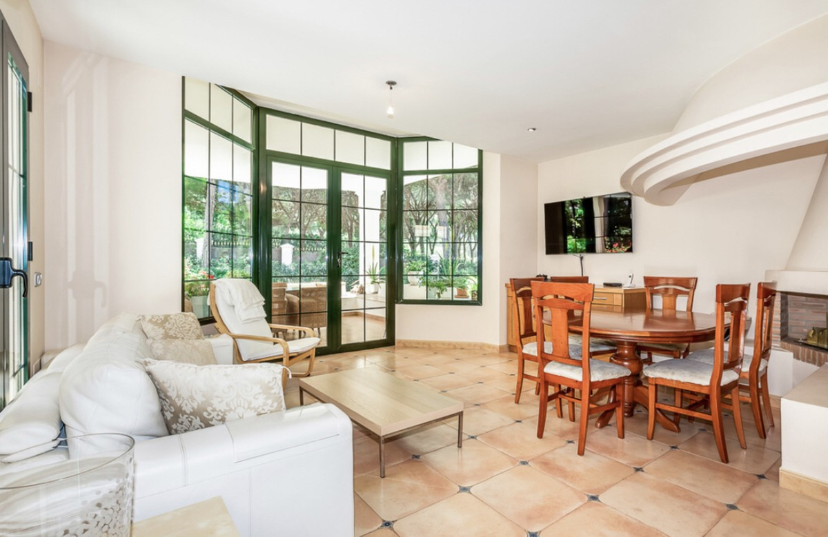 INVESTMENT Opportunity! Large Luxury Detached Villa with Pool in Hacienda Las Chapas, Marbella