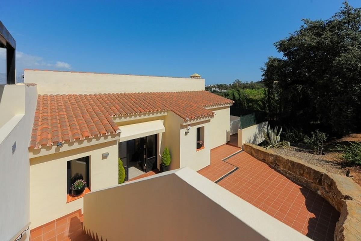 Large Detached Villa with Sea Views in La Mairena, Ojén
