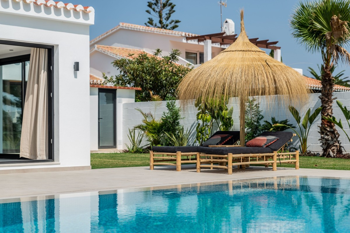 Luxury Detached Villa with Sea Views in Elviria, Marbella