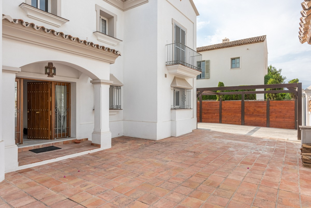 Large Detached Villa with Pool in Estepona
