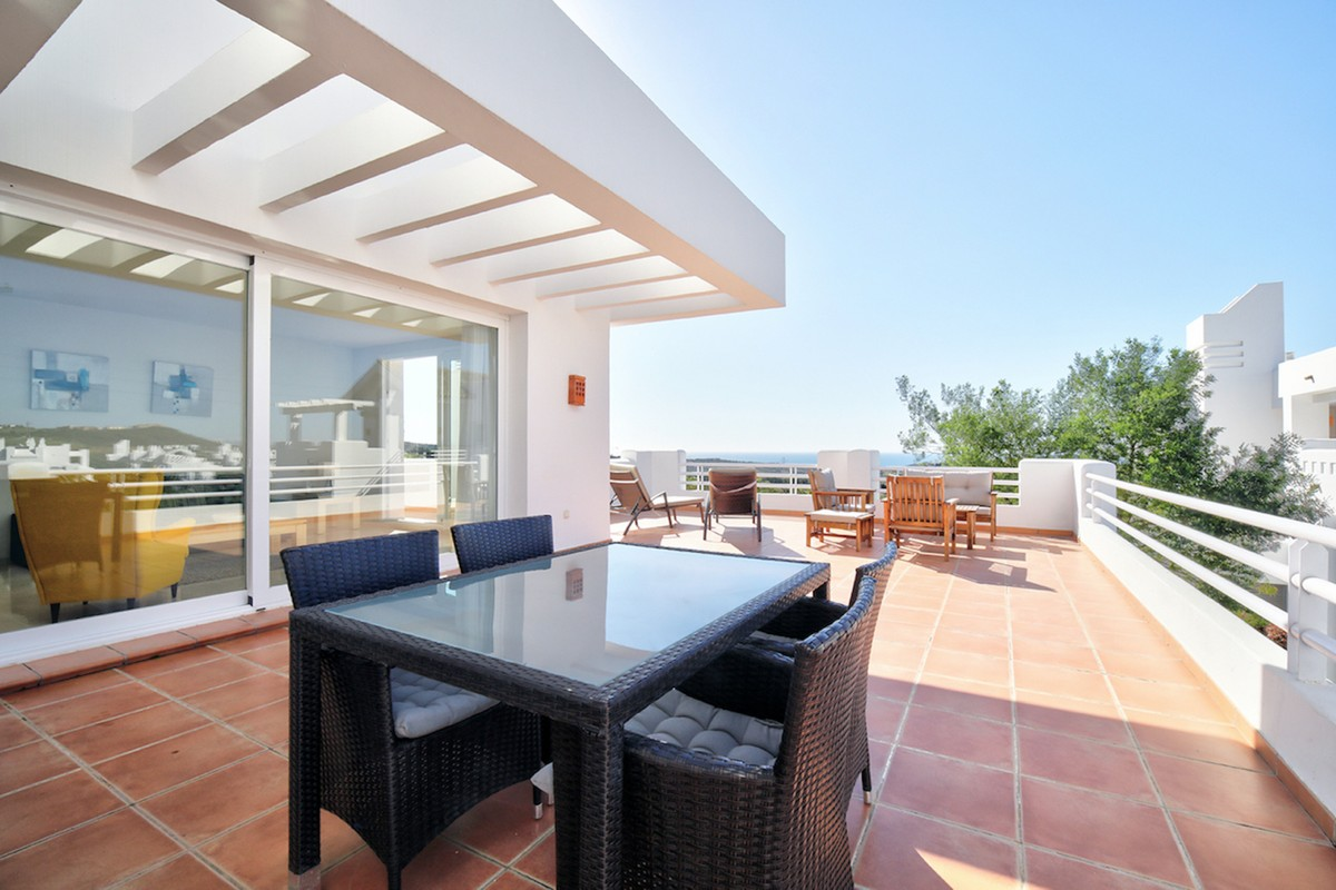 INVESTMENT Opportunity! Luxury Golf Middle Floor Apartment with Sea Views in Casares