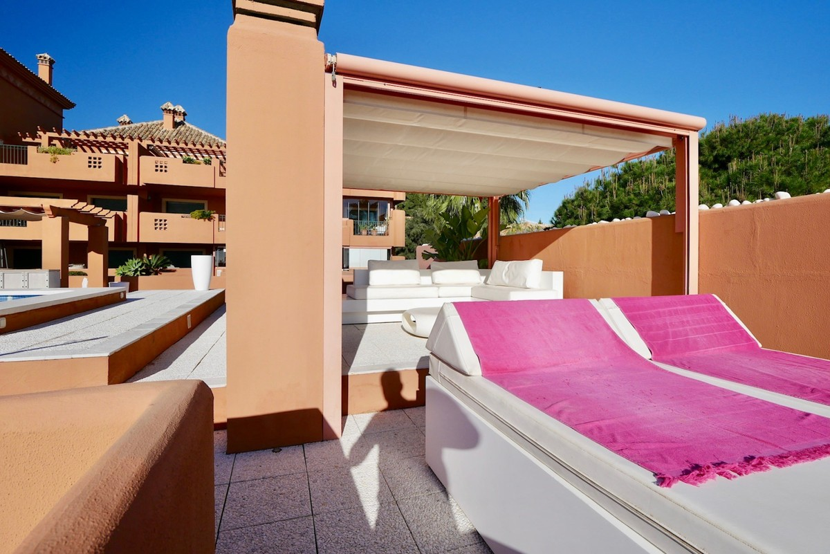 Large Luxury Golf Penthouse with Sea Views in Cabopino, Marbella