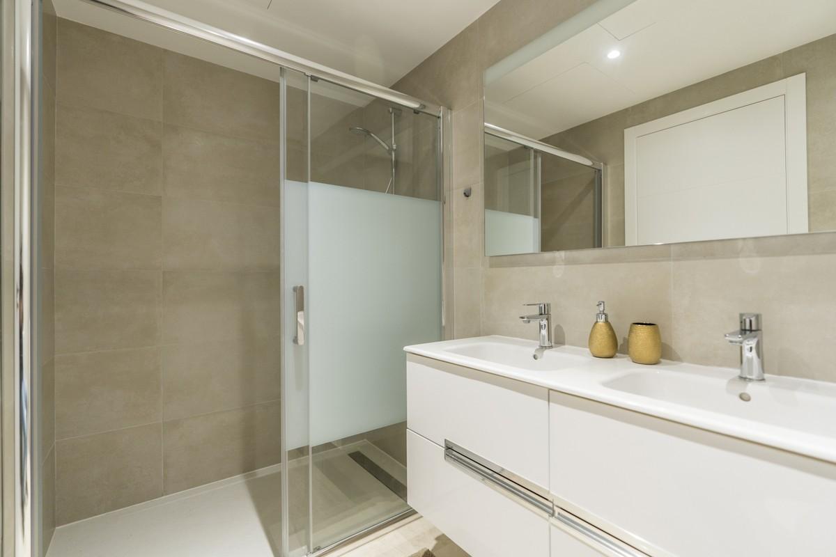 Large Luxury Detached Villa with Sea Views in Estepona