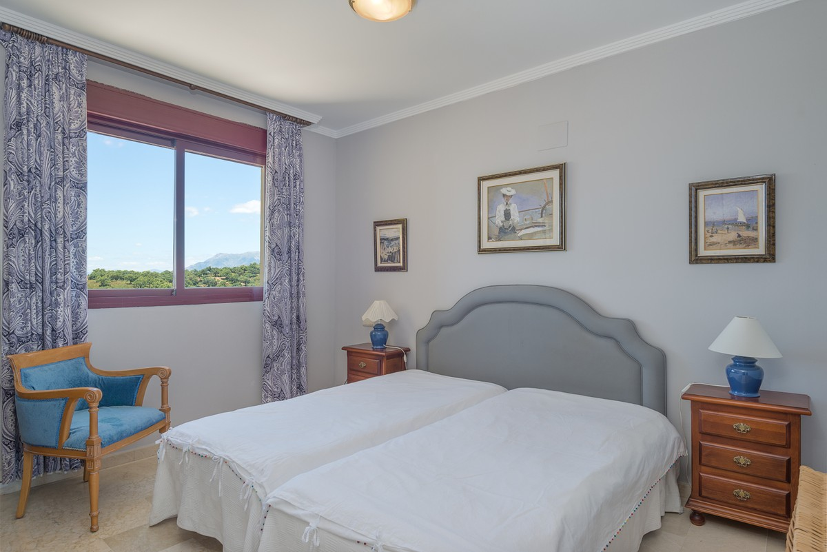 Townhouse with Sea Views in La Mairena, Ojén
