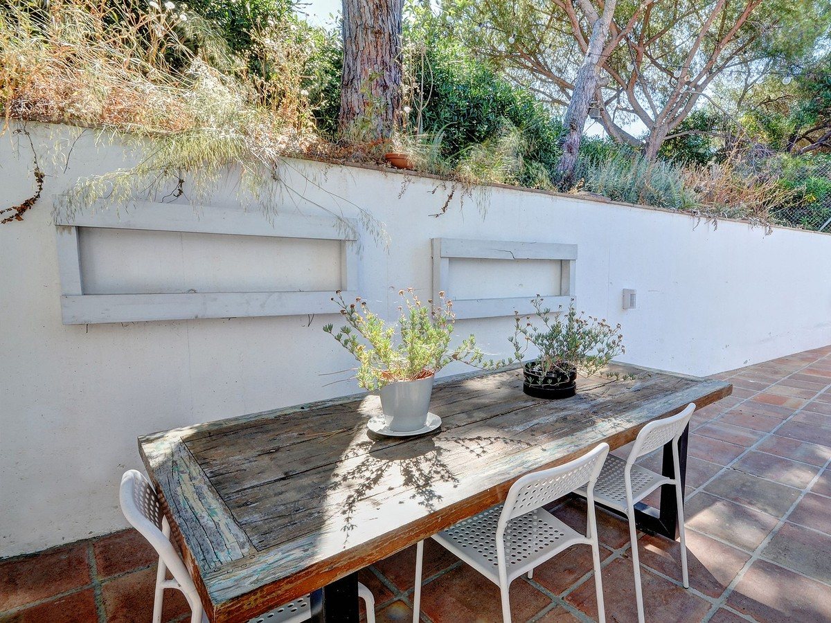 Townhouse with Pool in Artola, Marbella