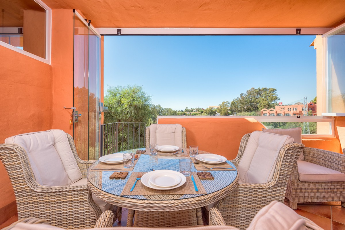 INVESTMENT Opportunity! Townhouse with Sea Views in Cabopino, Marbella