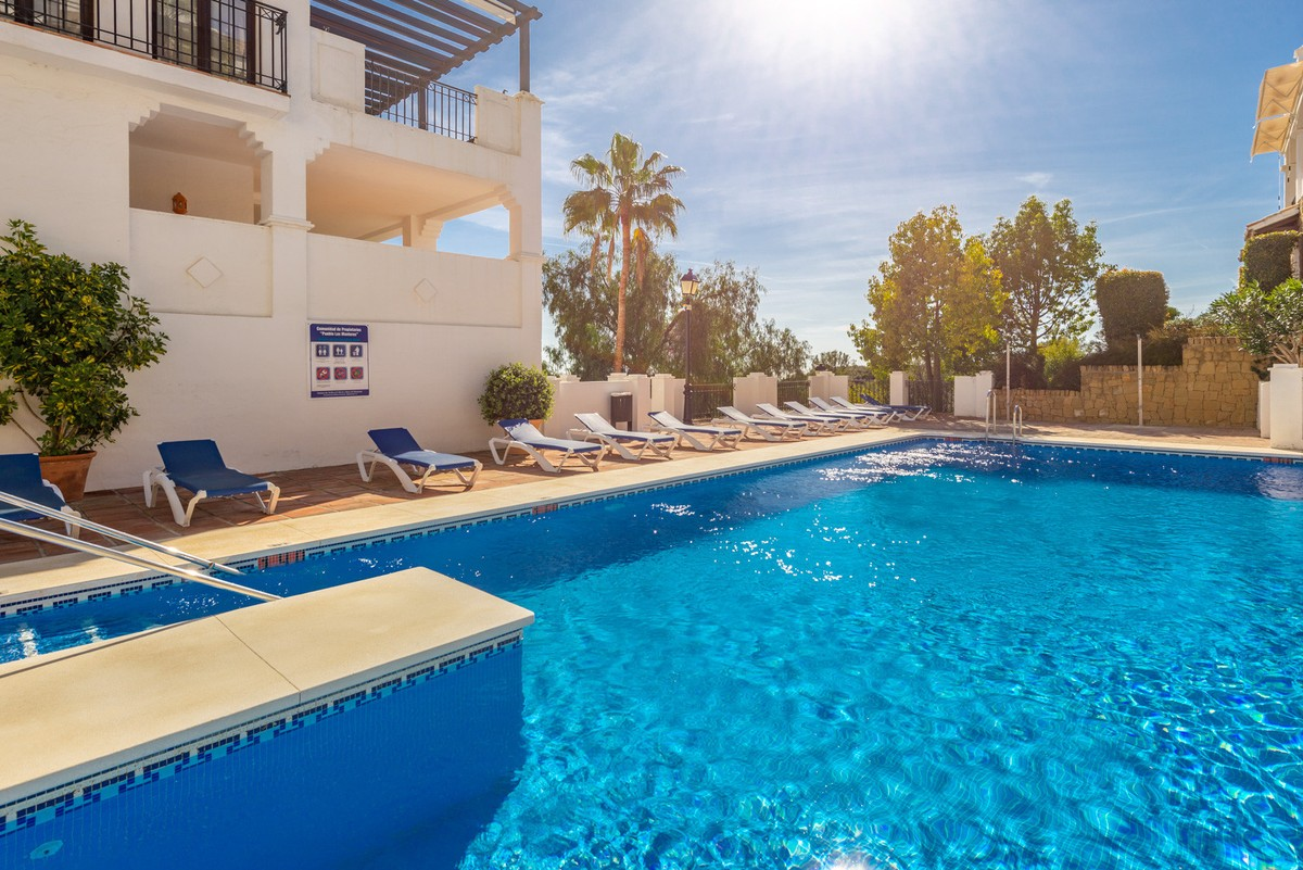 Large Penthouse with Sea Views in Los Monteros, Marbella