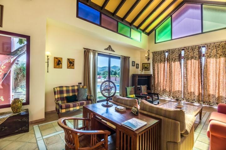 INVESTMENT Opportunity! Large Luxury Golf Detached Villa with Sea Views in Hacienda Las Chapas, Marbella